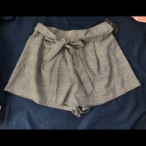 Forever 21 Gray Plaid Bow Shorts
